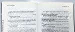 Traducción y original en cada página para leer con mayor comodidad. [Traducción de Laura Salas]